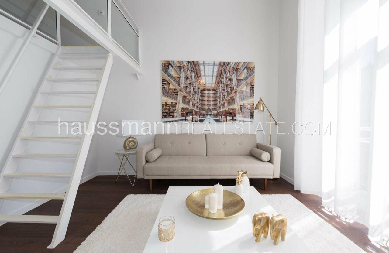 appartement Appartement de 2-3 pièces dans le Carré d'or image 0