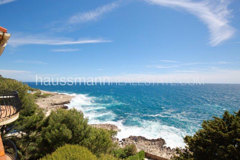 belle villa provençale face à la mer avec piscine