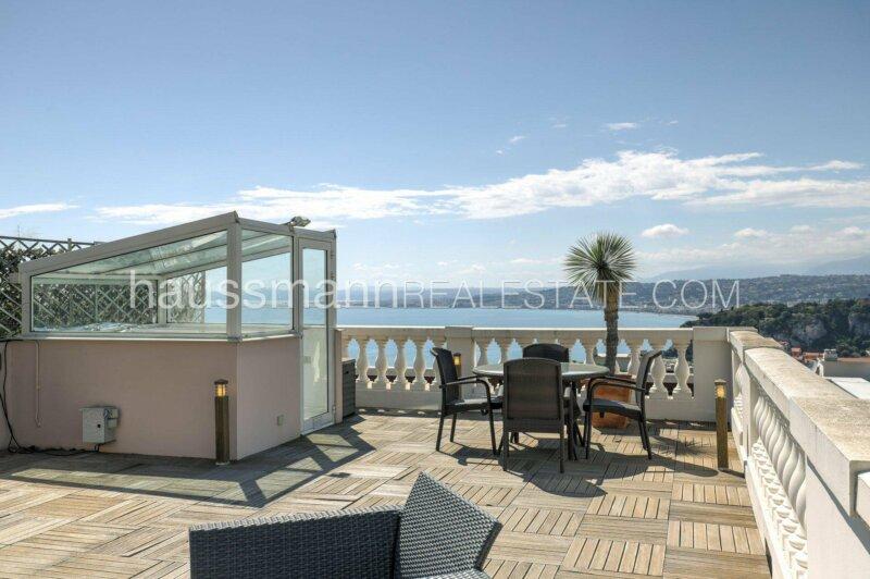 dernier étage avec toit terrasse, vue mer et piscine