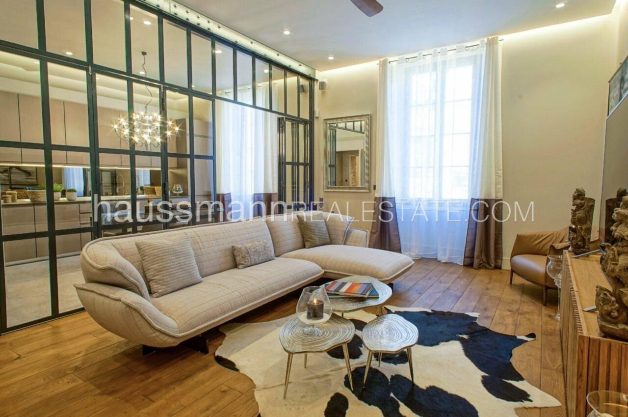 appartement DESIGN et LUXUEUX 92 m2  PORT DE NICE image 1