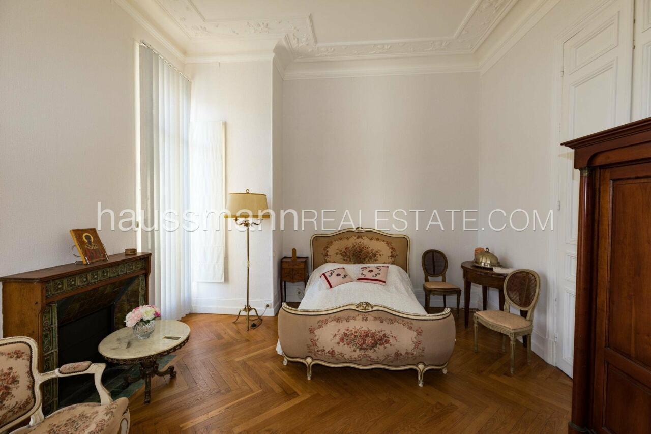 appartement Grand Appartement, terrasse 64 M2 face à la cathédrale russe image 10