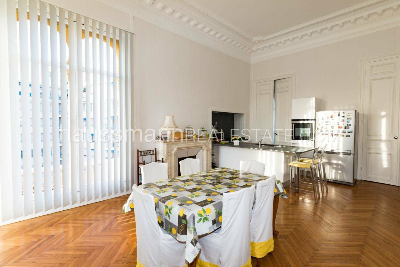 appartement Grand Appartement, terrasse 64 M2 face à la cathédrale russe image 7