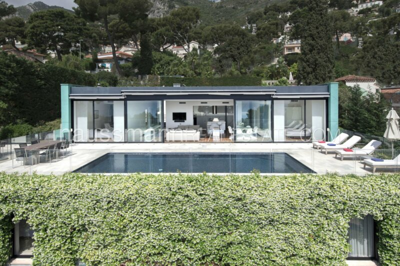 lumineuse villa moderne vue mer