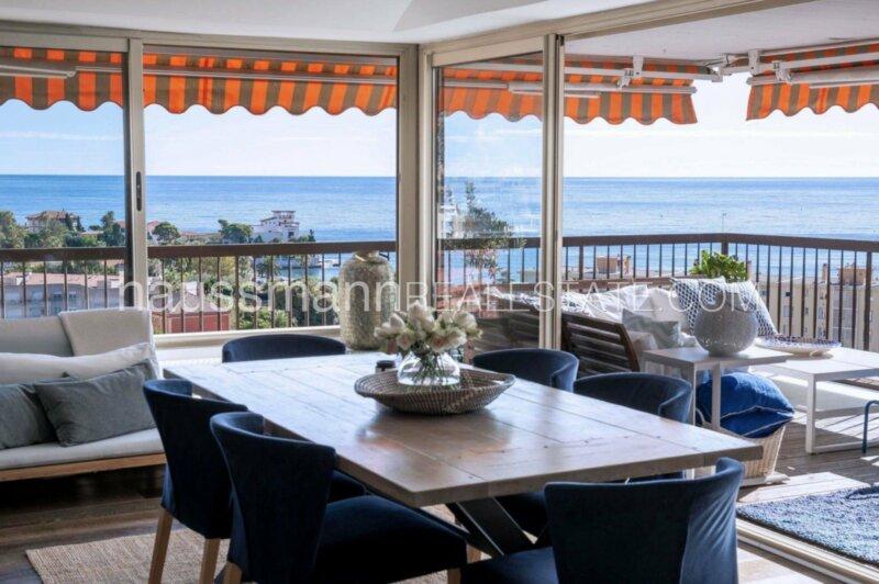 magnifique penthouse avec vue mer panoramique sur la baie de beaulieu sur mer.