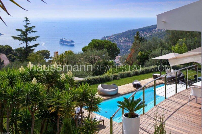 maison rénovée avec vue panoramique mer et piscine