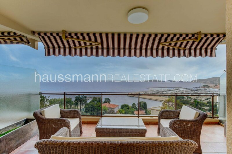 proche plages et port, grand studio vue mer panoramique à 10 min de monaco
