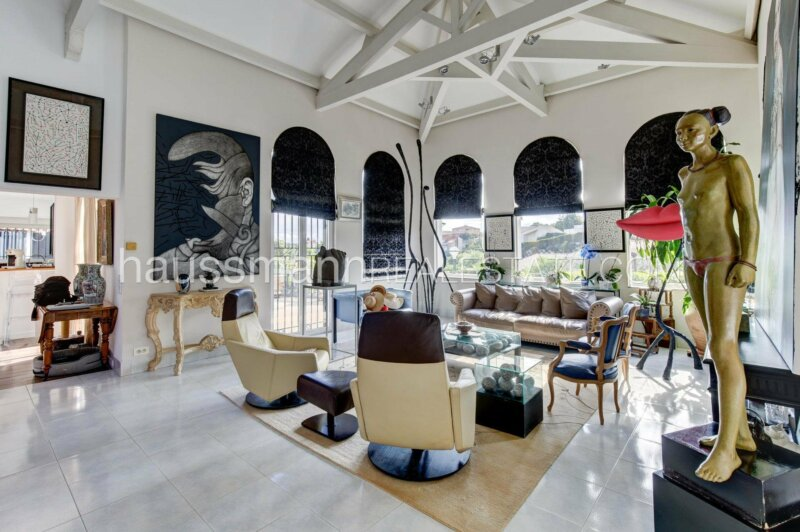 spacieuse villa niçoise revisitée