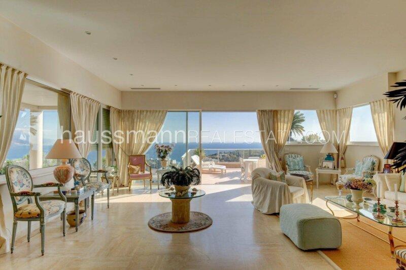 vaste terrasse, clarté et vue mer