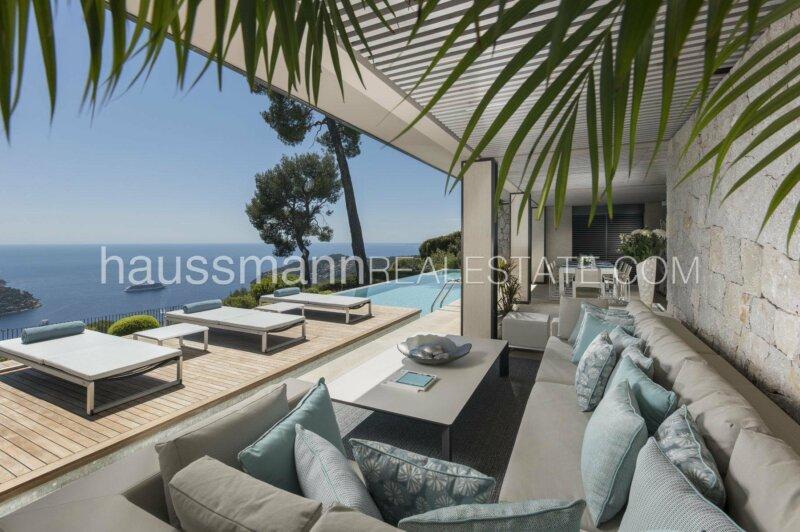 villa avec service hotelier face à la mer