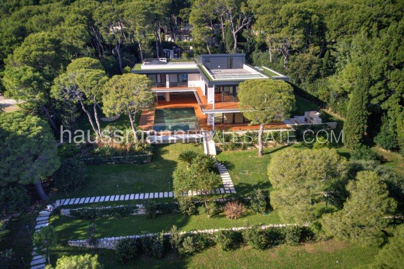 villa contemporaine à l'extrémité du cap