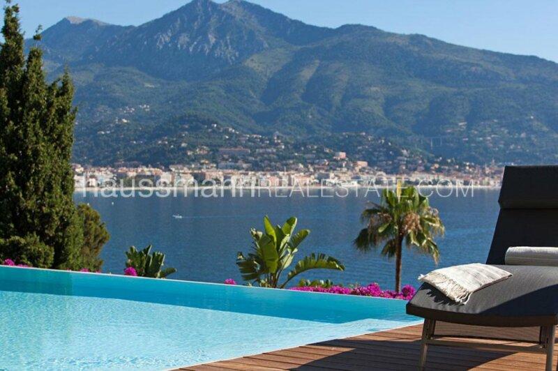villa offrant un service hotelier à la vue mer panoramique